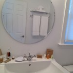 inn-on-main-wolfeboro-nh-en-suite-bathroom